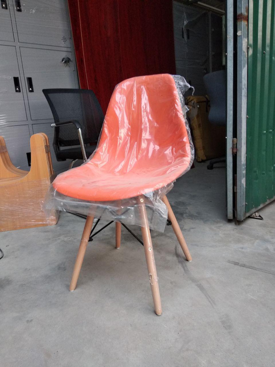 Ghế màu cam Orange