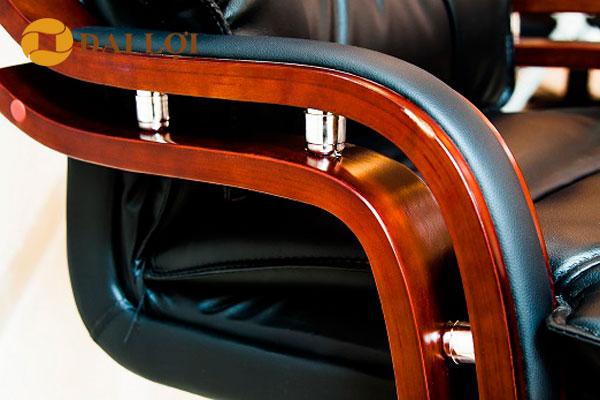 Tay ghế TQ10 sơn tĩnh điện cao cấp, phần tựa tay bọc da tạo cảm giác êm ái