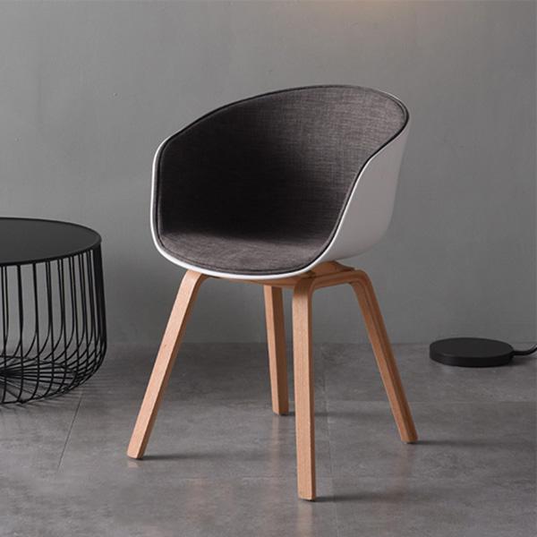 Ghế HAY bọc đệm có thể được dùng làm ghế ăn, ghế cafe hay tiếp khách trong văn phòng