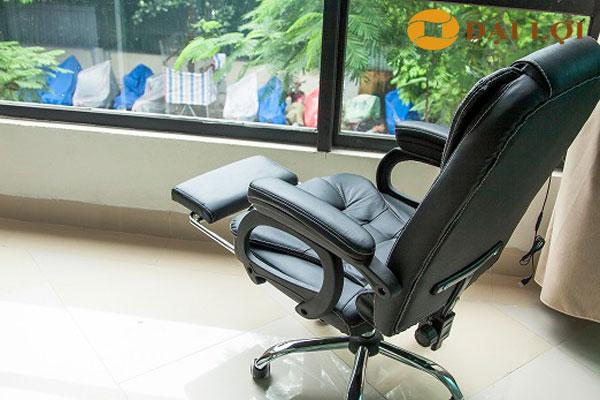 phần ghế ngủ kéo dài và thu gọn dễ dàng, khung thiết kế bằng Inox chắc chắn