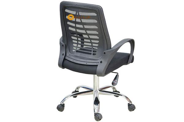 Mặt lưng ghế AGL102 thiết kế khung nhựa với lưới tạo cảm giác thoáng mát êm ái. Tựa lưng gắn liền với tay ghế tạo khung chắc chắn