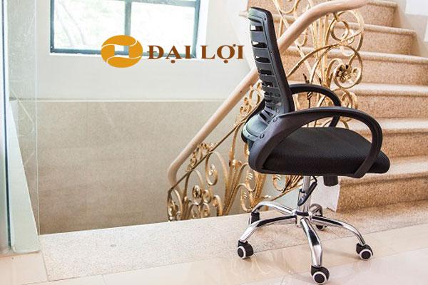 Ghế xoay AGL102 dễ dàng kết hợp với không gian nội thất có sẵn