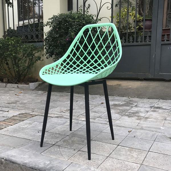 Lưng ghế Zima được làm từ nhựa đúc ABS có độ dẻo, chịu lực và không bám bụi