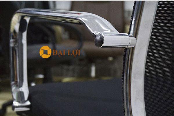 Khung tay ghế AGL316C mạ crom cao cấp, thiết kế gắn liền với khung ghế xoay