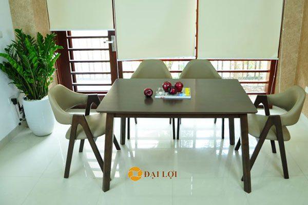 cách bố trí bộ bàn ghế ăn gỗ xuất khẩu Emma cho không gian hẹp
