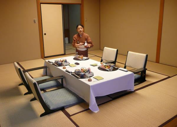 Bàn ghế ăn kiểu Nhật