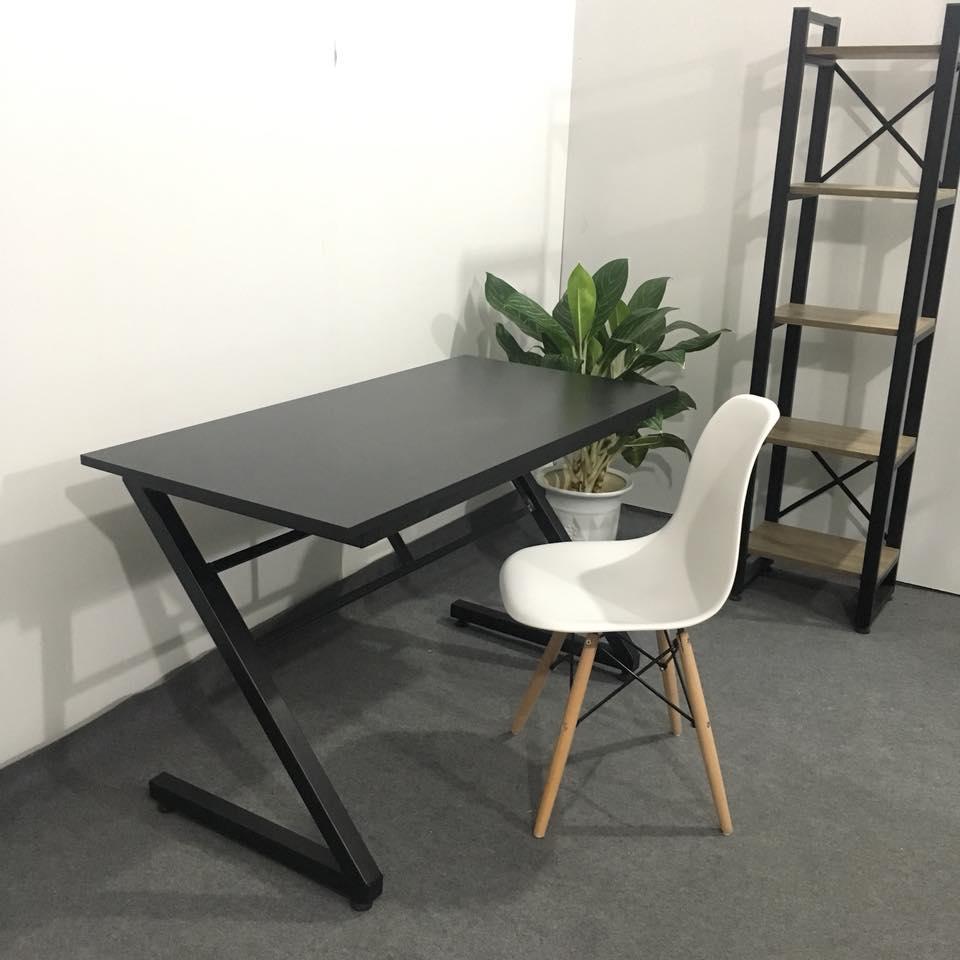 Combo bàn chữ z màu đen và ghế Eames trắng