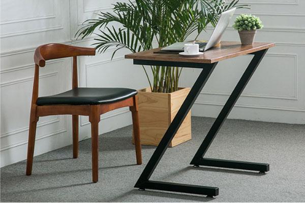 Nhìn ở góc độ nào thì chiếc bàn cũng tạo nên được vẻ khỏe mạnh trẻ trung