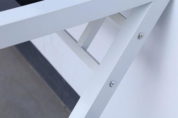 Chân bàn chữ Z làm từ sắt sơn tĩnh điện cao cấp nhiều màu ( có chân màu trắng, màu đen, màu sữa, màu xanh ... )