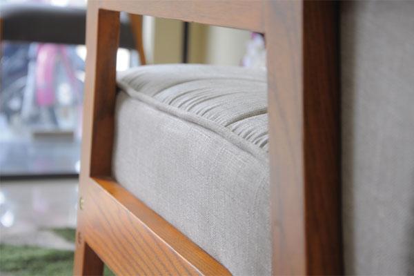 Thiết kế tay ghế hiện đại hình thang