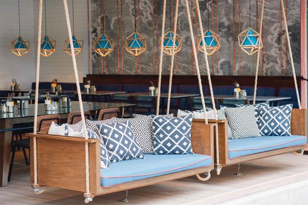 Mẫu số 7 - ghế gỗ cafe có dây thừng treo