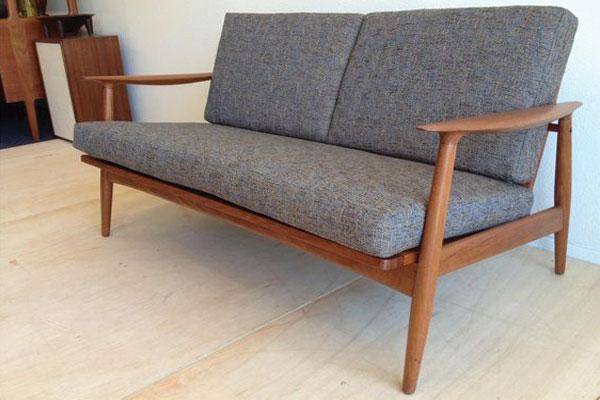 Mẫu 3 sofa gỗ cafe