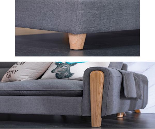 Chân ghế sofa và khung tựa tay sofa đều bằng gỗ sồi tự nhiên, vân gỗ tạo điểm nhấn cho mẫu sofa