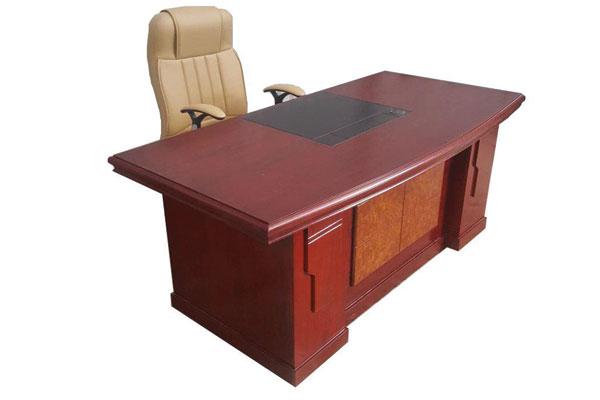 Những lưu ý cần thiết khi mua bàn giám đốc thanh lý, cũ trên thị trường