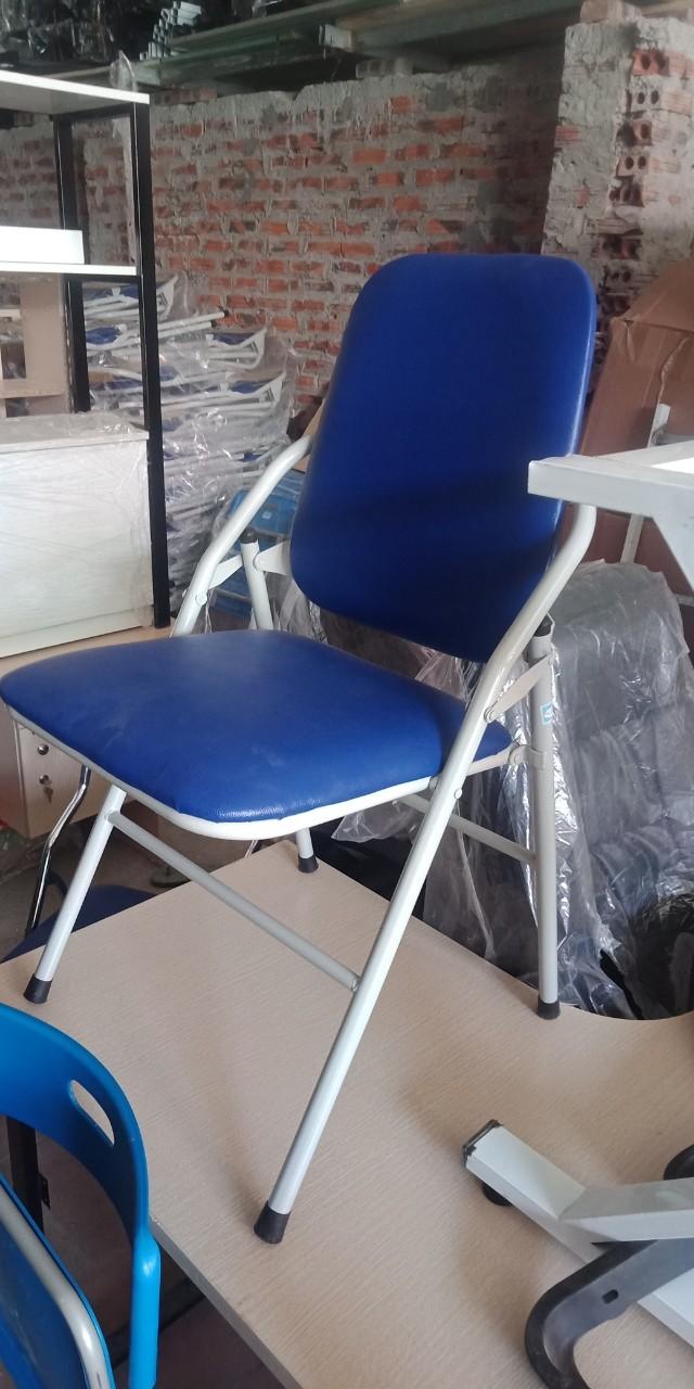 Mẫu 10: Thanh lý ghế gấp chân sơn màu xanh