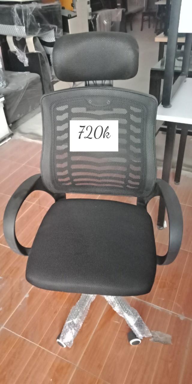 Mẫu 4: Thanh lý ghế lưới văn phòng màu đen trưởng phòng