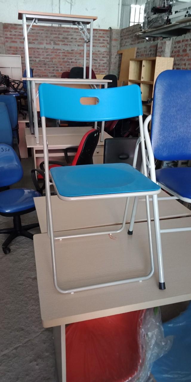 Mẫu 11: Thanh lý ghế gấp nhựa
