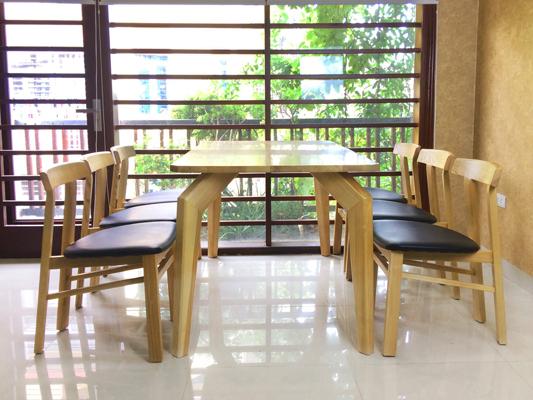Bàn ghế ăn bằng gỗ tự nhiên DRAGON-102