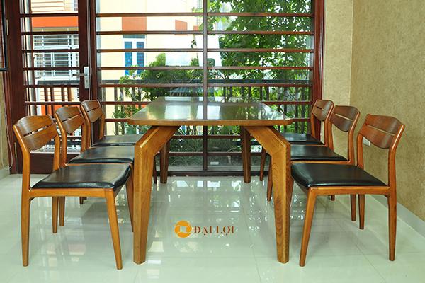 Bàn ghế ăn bằng gỗ tự nhiên DRAGON-102 màu nâu