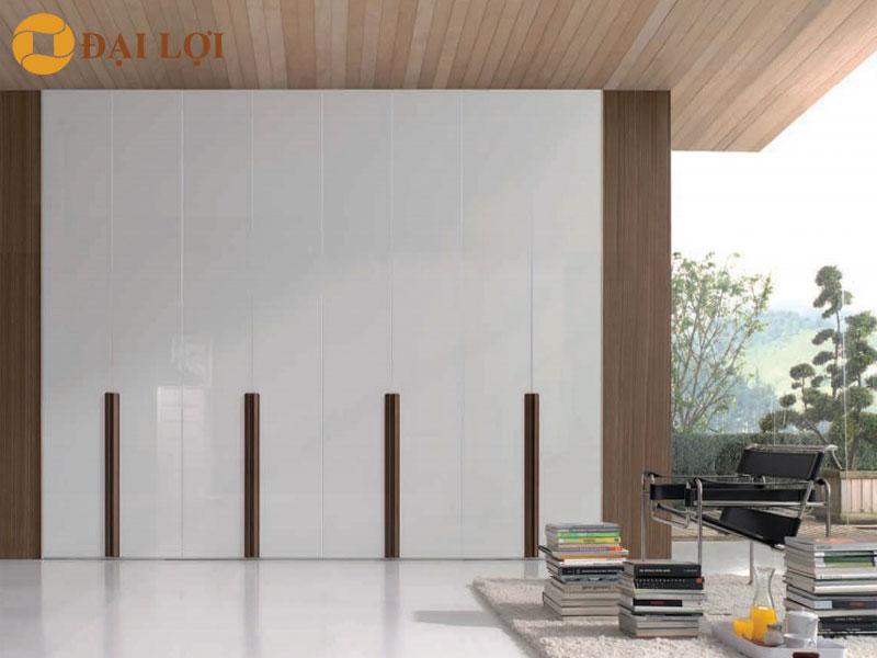 Tủ thiết kế 8 cánh như 1 bức tường