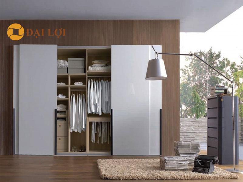 Mẫu tủ quần áo này sử dụng gỗ MDF