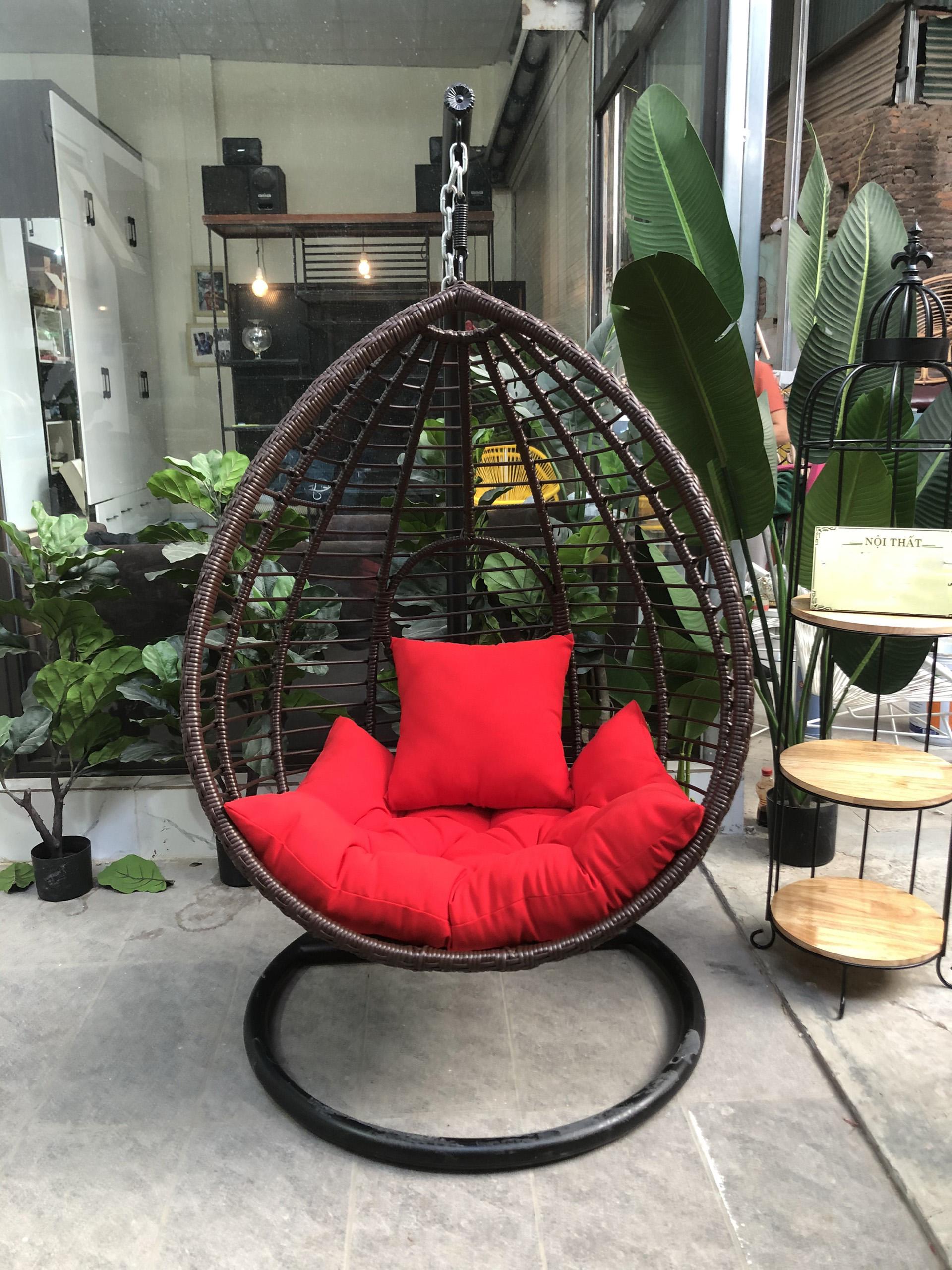Ghế Xích Đu được làm từ thép sơn tĩnh điện có độ bền lớn, tuổi thọ dài lâu